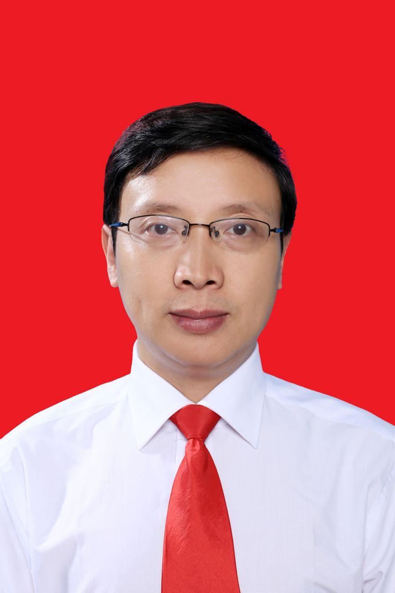 代春江(党总支书记、院长)